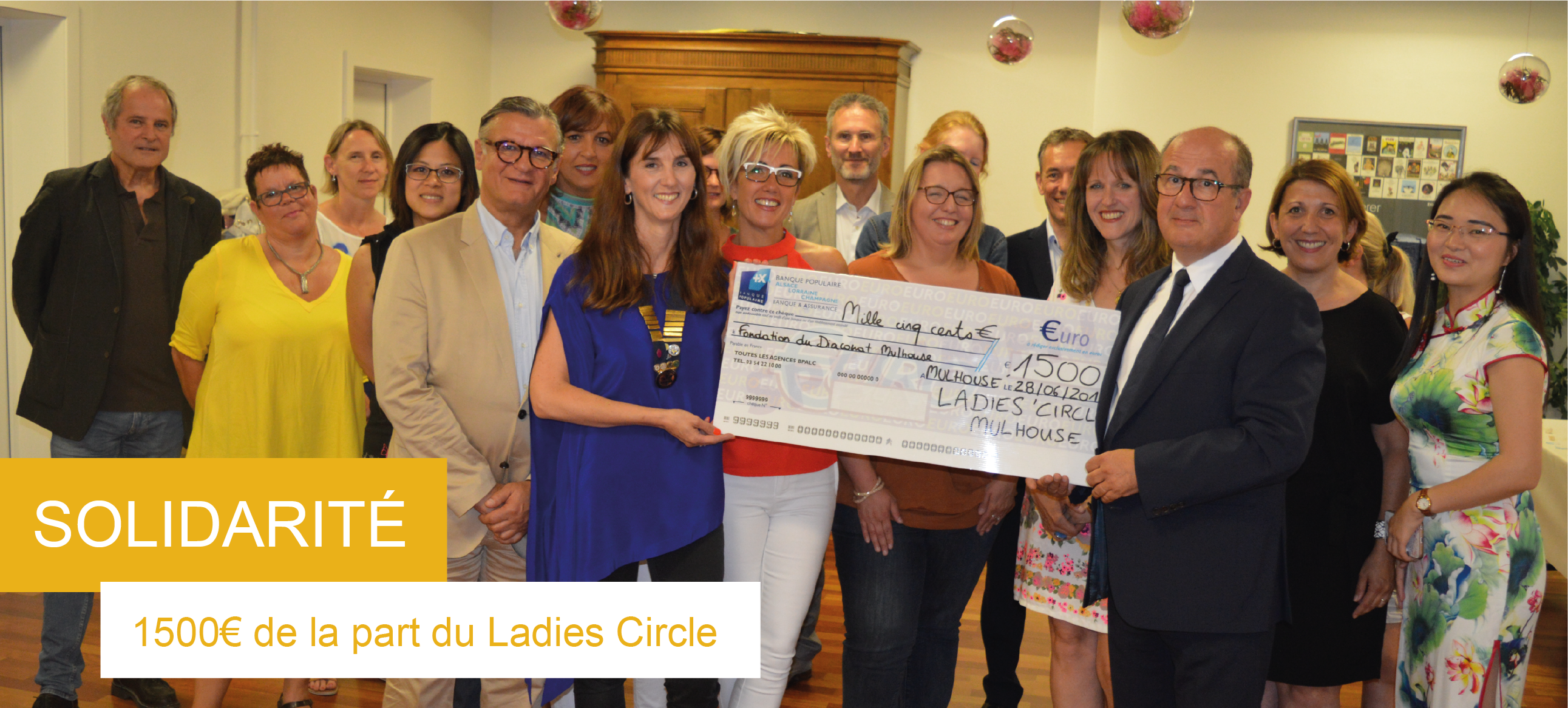 slideshow_cheque_ladies